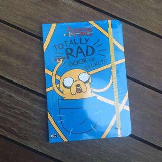 ADVENTURE TIME TOTALLY RAD BOOK OF SECRETS