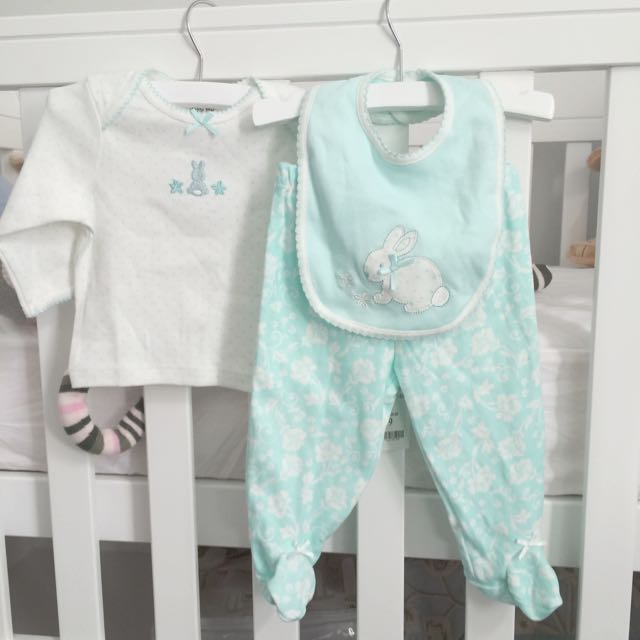 6 mths - Little Me Pyjama Set