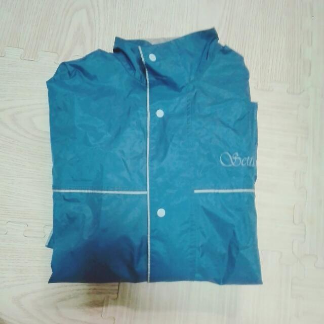 降價***男二手兩件式雨衣 適合175~180cm