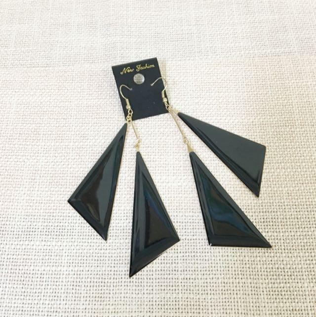 時尚三角 耳環 郵寄含運