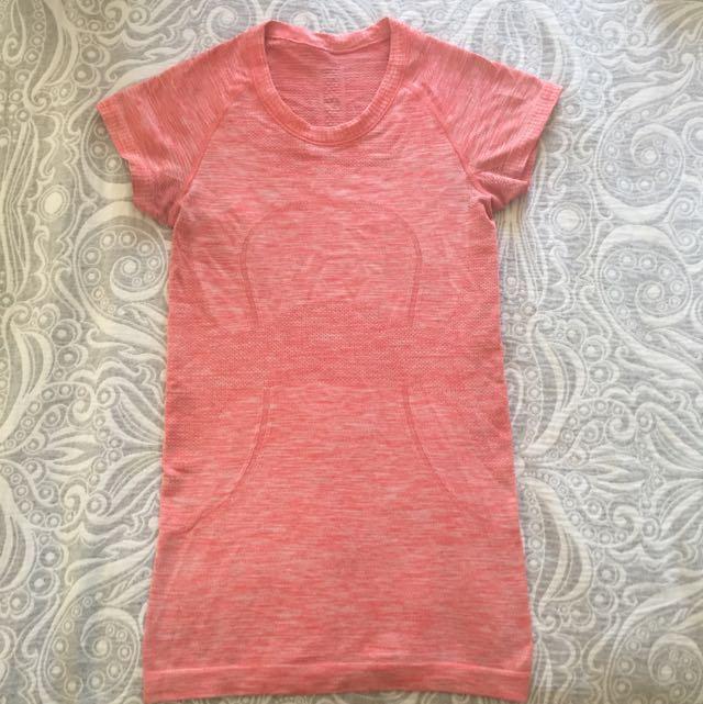 Heathered Pink Lululemon Short Sleeve Shirt Size 2