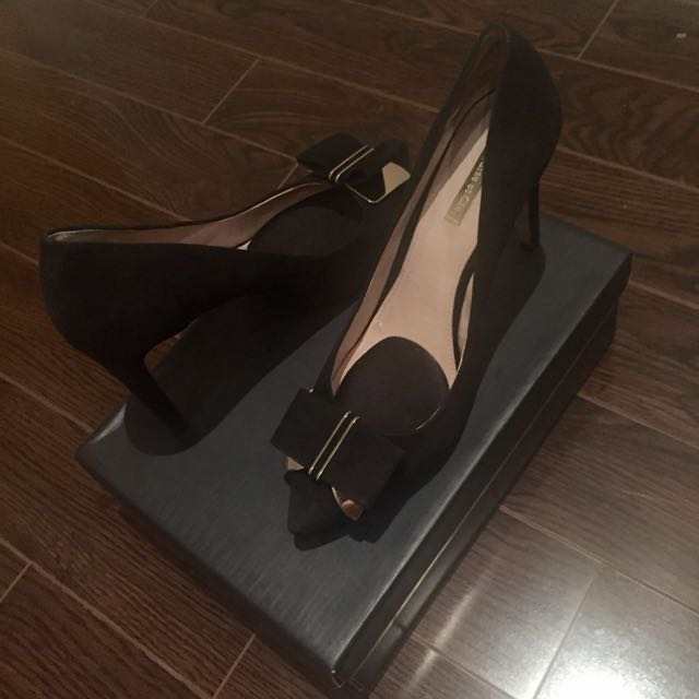 Louise Et Cie Black Pumps With Bow Size 9.5