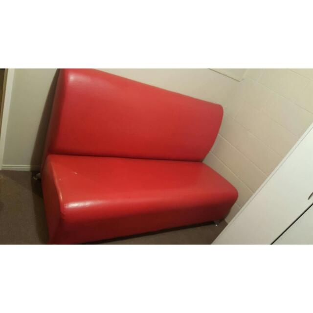 RED LEATHRR COUCH