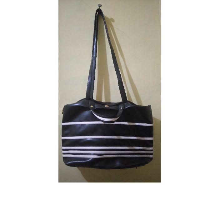Sale!! Tas Missyele Black and White #preloved2