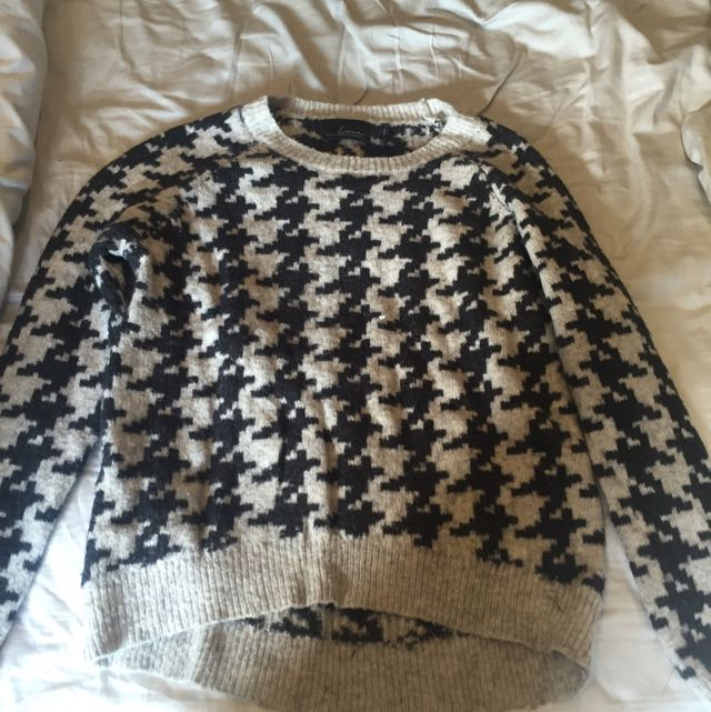 Shark tooth Sweater - Brand: line
