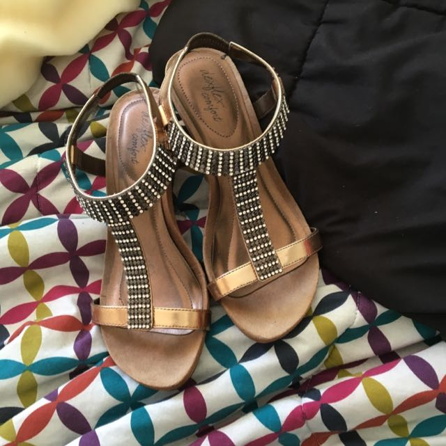 Small Wedge Heels Size 7