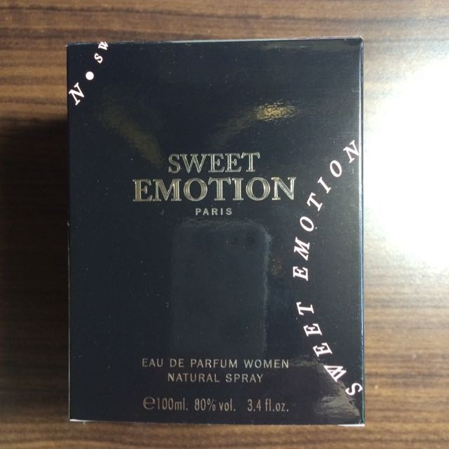 Sweet Emotion Paris香水