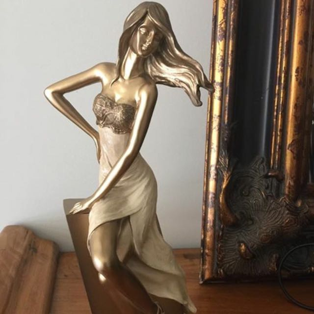 Very Element Lady Statue