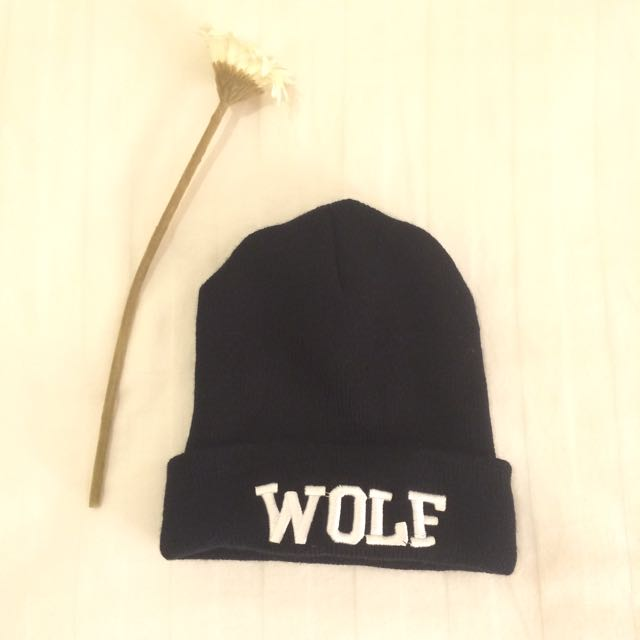 WOLF Beanie