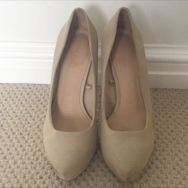 Zara Nude Leather Stilletos (size 39)