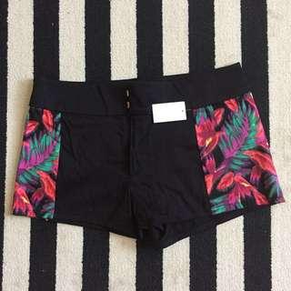 New SOFIA VERGARA Shorts