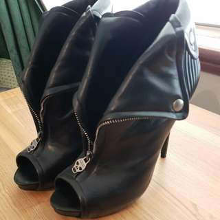Alexander Mcqueen 'Faithful' Black Leather Booties Sz 10