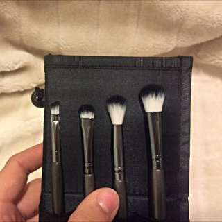 Pending Eyeshadow Brushes - Topshop