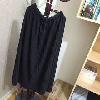 黑色百褶長裙
