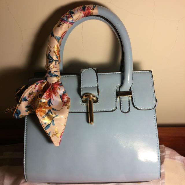 藍色絲帶手提包
