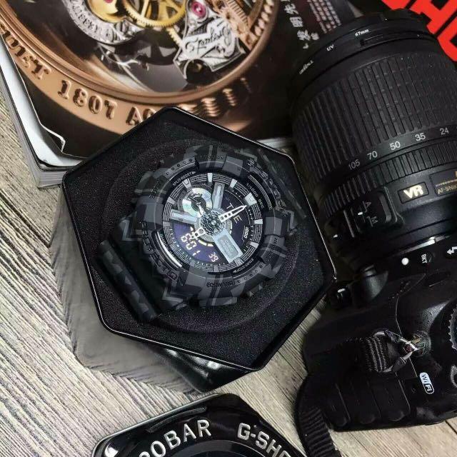 原單品質 小秒可走 配送專櫃包裝手提袋。秉承G-shock不斷進化,追求強韌的理念。GA-110GB則是以層次感的款式,並配備1/1000秒的秒錶計速功能。防震 防磁 50M防水 世界48个城市時間 倒計時 鬧鐘 間歇响報 品質如一 錶徑36mm。