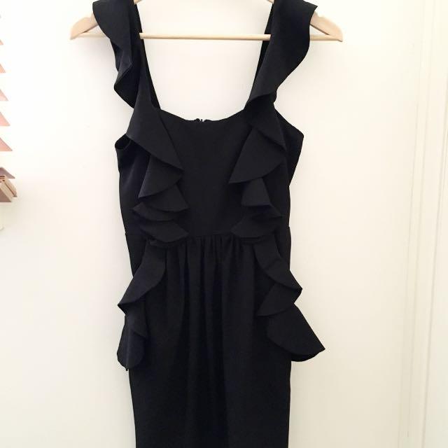 ❗️REDUCED❗️Black Ruffle Semi-formal Dress