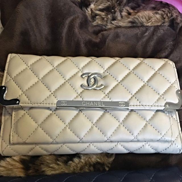 Chanel Wallet/side Bag