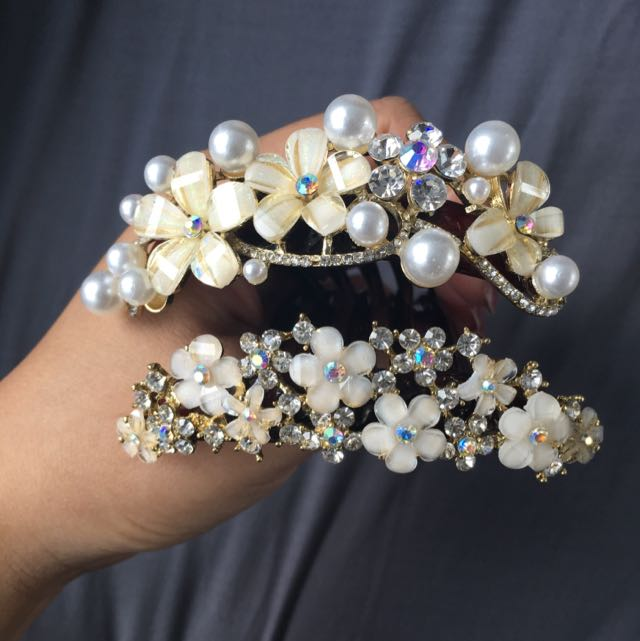 Diamond/pearl Flower Hair Comb