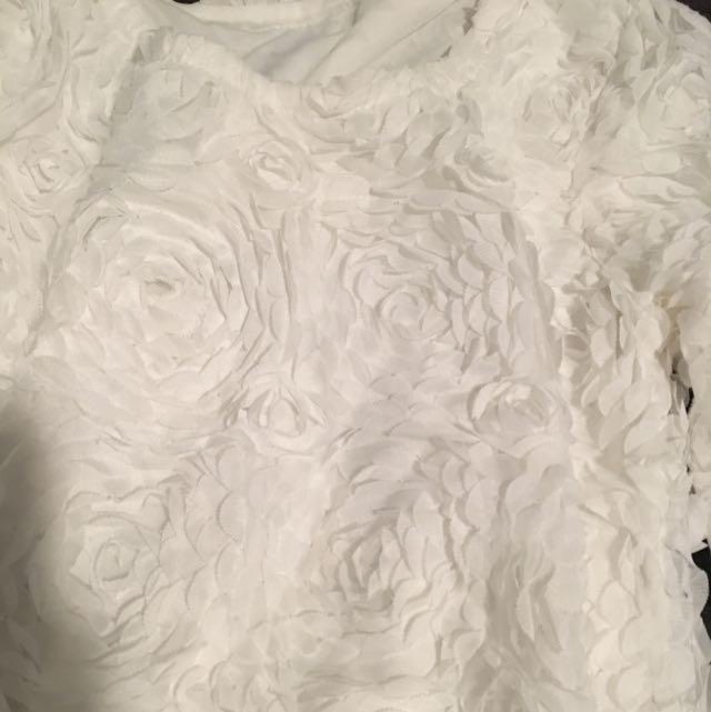 Elegant 3D flowers white Top