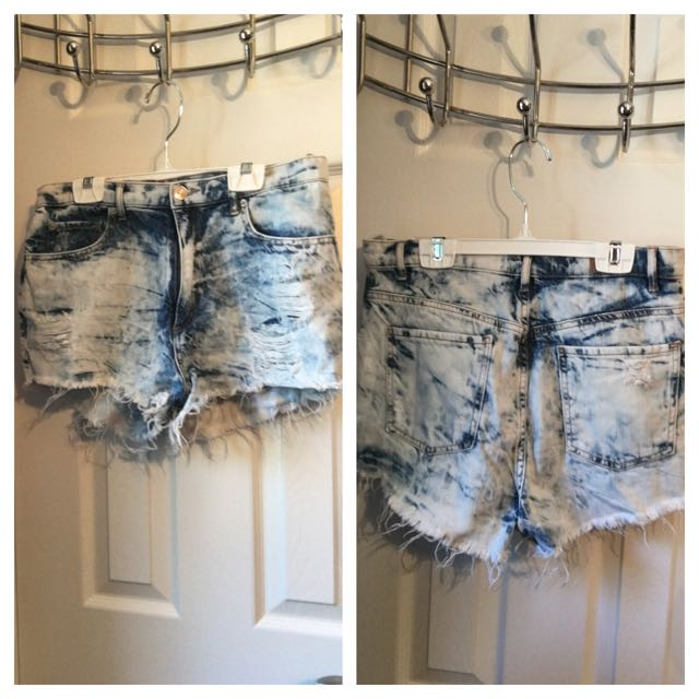 Garage Distressed Jean Shorts Size 7