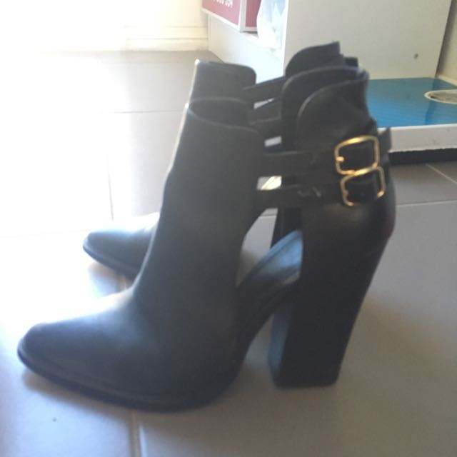 Gorgeous Cutout Buckled Boots