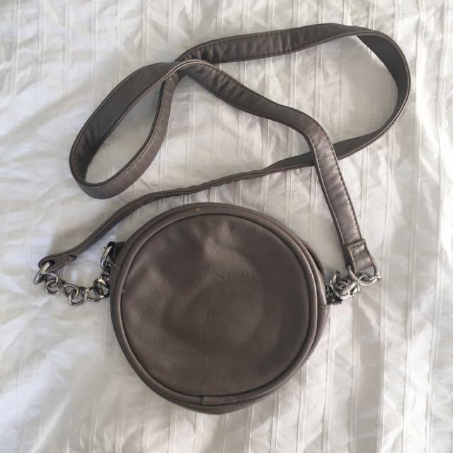 Levis Round Festival Bag