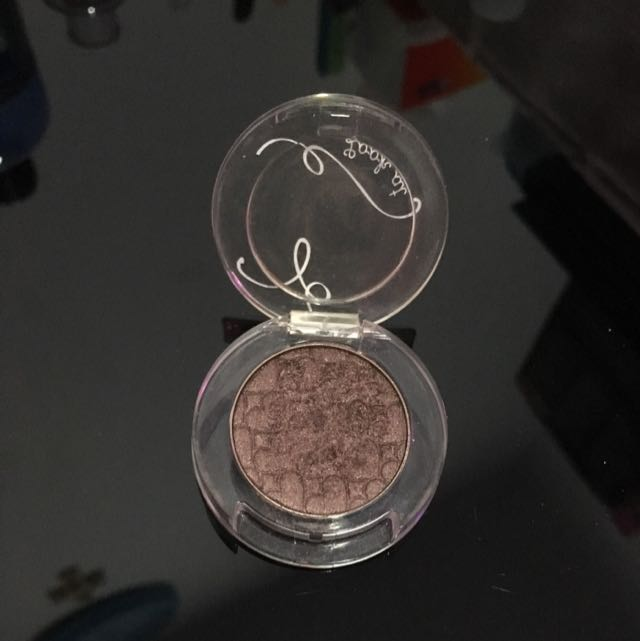 Look at My Shadow by Etude