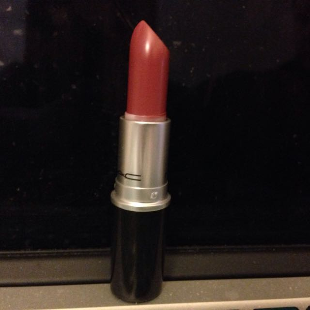 MAC Cosmetics - Caitlyn Jenner Finally Free Lipstick