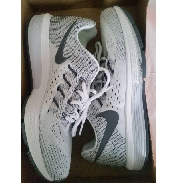 NEW Womens Nike Air Zoom Vomero 10 White shoes. Size AU 8.5, UK6, EUR40