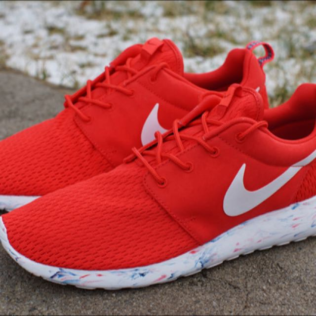 32466105545 NEGOTIABLE  Nike Roshe Run Marble Red!