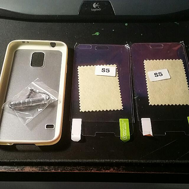 Samsung S5 Phone Case With 2 screen Protector And A Stylus Pen