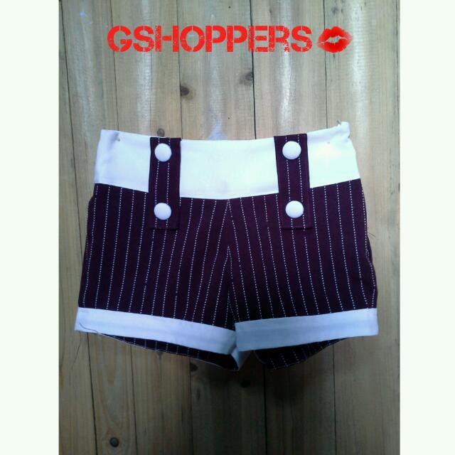Semi Highwaist Maroon Shorts