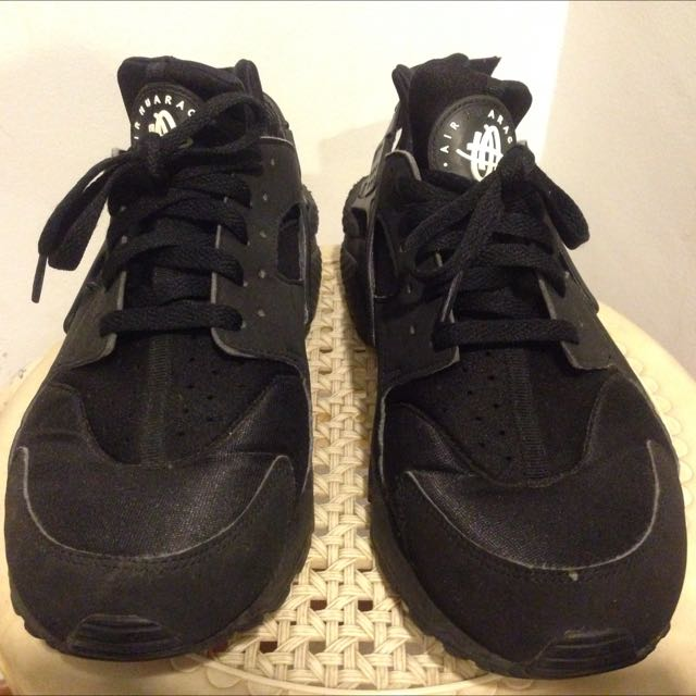 Triple Black Nike Huarache!