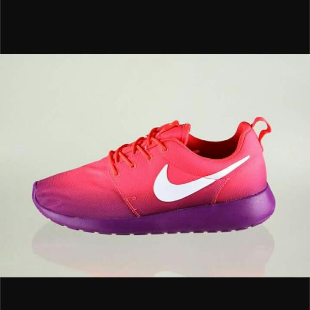 WANTED TO BUY nike Roshe ombre Crimson