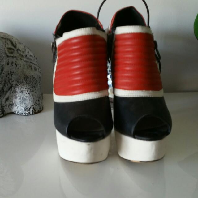 Zu Size 7 Ladies Heels