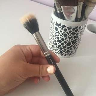 Mac brush 188
