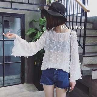 超仙韓國氣質鉤花浮雕荷葉邊喇叭袖寬鬆顯瘦娃娃衫甜美雪紡衫