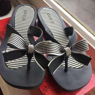 Guess Thong's Flip Flops Sandals