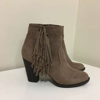 Ankle Boots With Fringe Detail Sz 8