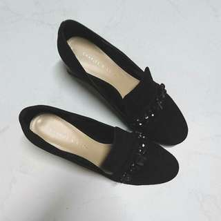 Charles And Keith Black Beaded Suede Loafer (Size 36)