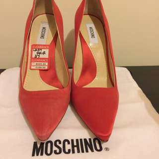 Moschino Authentic 37