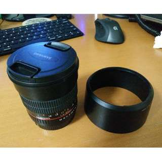samyang 85mm f1.4 canon mount (with AF chip installed)