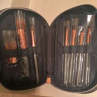 *Brand New*Nude by nature makeup brush set