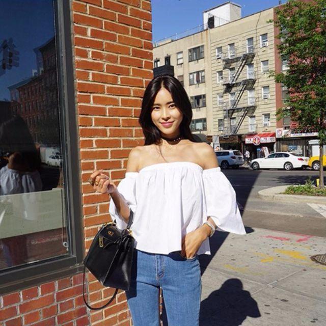 【現貨】韓版超挺版型/一字領喇叭袖白色上衣