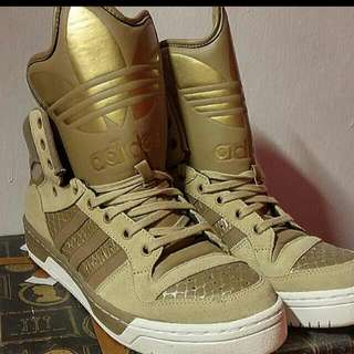 BN ADIDAS HIGH CUT SNEAKERS