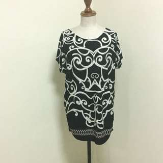 Korean Style Black And White Top