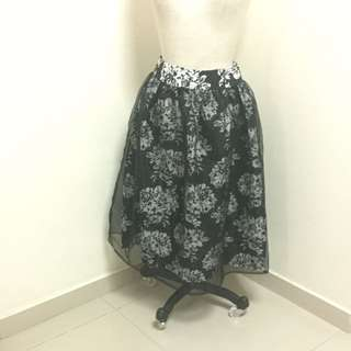 Lovely Midi Skirt With Organza Details