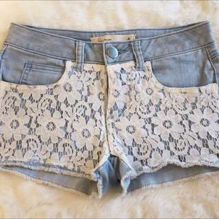 ⬇️💰Denim Shorts With Lace Size 4-6