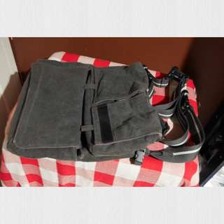 Tas slempang / messenger bag by Lomography